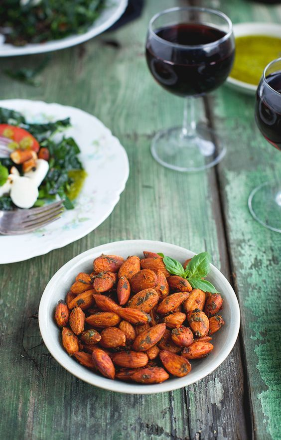 Tomato Basil Almonds - CaliZona