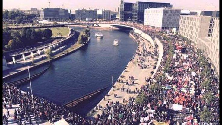 """Quarter Million Germans Protest Obama """"Free Trade"""" Deal"""