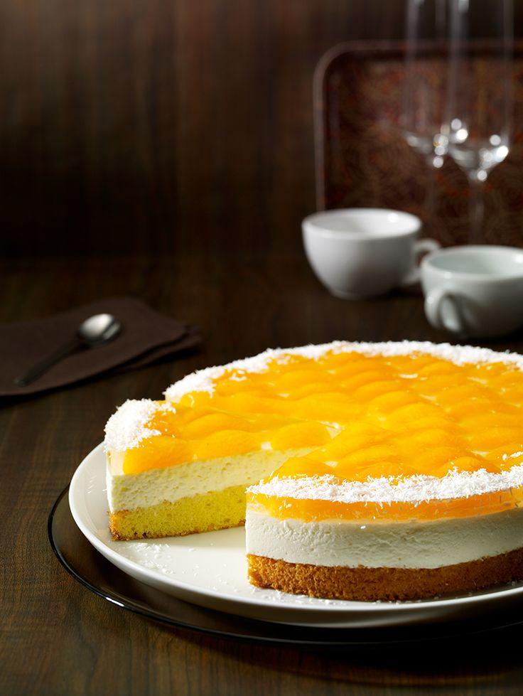Sahnige Torte mit Kokos und Mandarinen für den Sommer