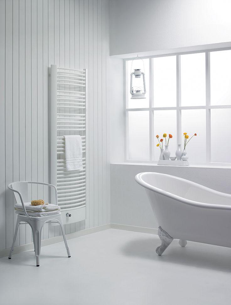 Best 25 white minimalist bathrooms ideas on pinterest for Andros kitchen bath designs