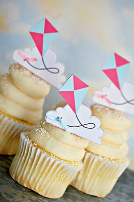 rather than kites, we could make printable lambs and place them on it...less time consuming than the full lamb cupcake