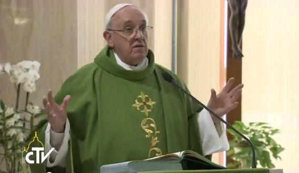 Papa Francesco: la fede è un dono e abbiamo dovere di trasmetterla