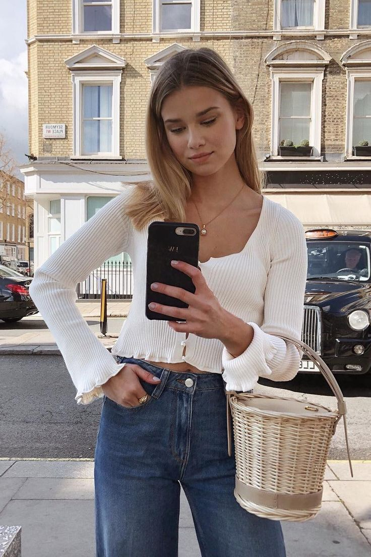 17 Simple Denim Outfits Perfect for Spring