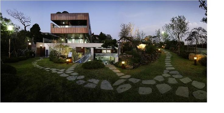 overview of seoul parters house