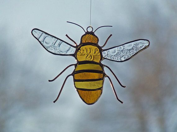 Reclaimed Glass Honeybee by westernartglass. Oh, how I love this little bee!