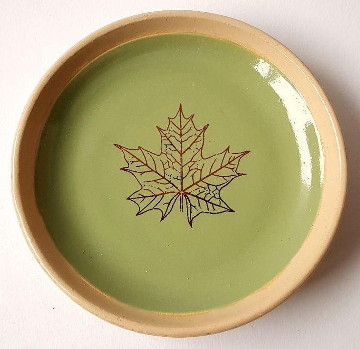 Blij om mijn nieuwste toevoeging aan mijn #etsy shop te kunnen delen: Schotel - groen met botanische print http://etsy.me/2ytR53Y