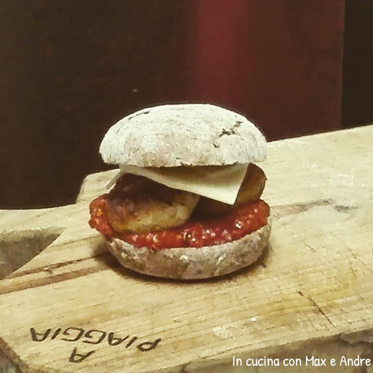 Sandwich di melanzane vegetariano