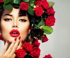 девушки, -unsort , лица,  портреты, взгляд, макияж, розы, цветы, серьги, модель, девушка, маникюр, рука, красные, губы, стрелки