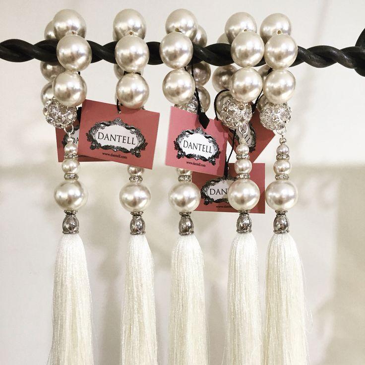 Dantell peçete bilezikleri // Dantell napkin rings #dantell #dantellofficial #homeislife #onthetable #home #evim #hometextile #napkinring
