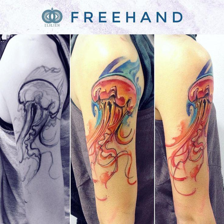 En varios casos los resultados son más interesantes cuando la idea se conversa en el momento. Medusa . Medusa / Freehand. #elilien #watercolor #watercolortattoo #aquarelle #水彩 #акварель #color #tattoo #tatuaje #тату #tatouage #tat #tattooideas #ink...