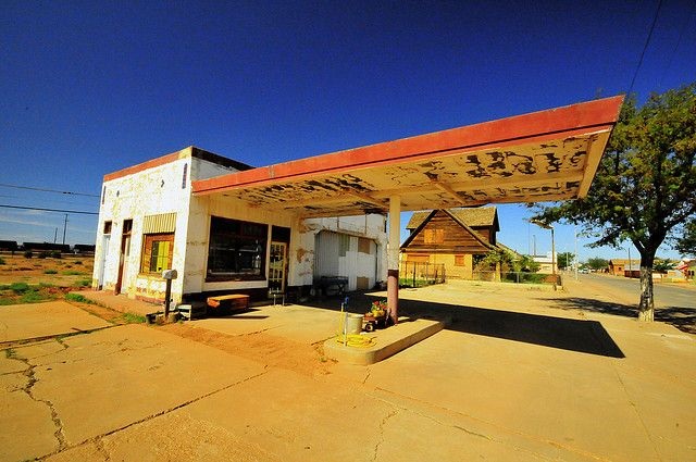 175 best images about Abandoned Gas Stations on Pinterest ...