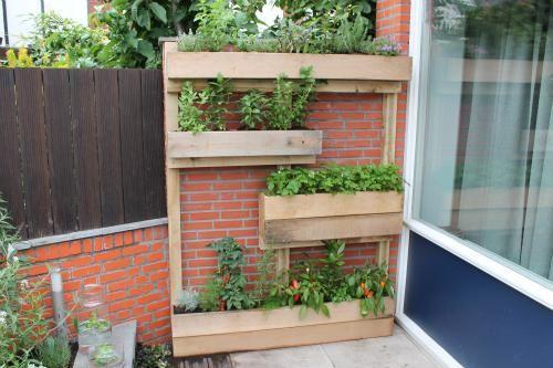 Maak een verticale kruidenwand eigen huis en tuin idee pinterest huis en tuin tuin en for Maak een overdekt terras