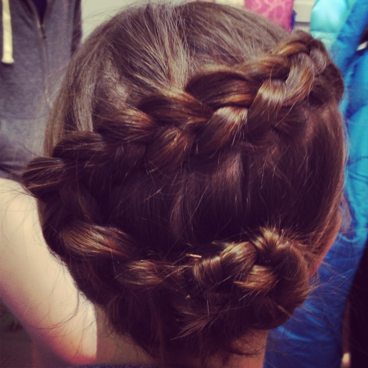 Zig-zag Braided bun (With images) | Cool hairstyles, Long hair styles, Hair styles