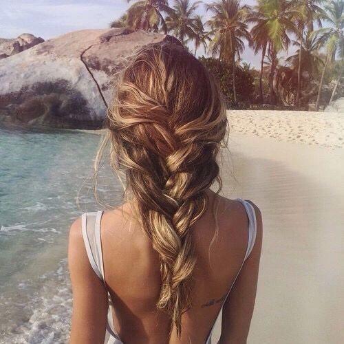 9 fina frisyrer som gör dig snyggast på stranden – Metro Mode