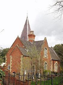 Newport Pagnell - Spire Cottage. This was originally called Cemetery Lodge, built around 1860 and was used to carry out burial services for non believers of Newport Pagnell. © www.newport-pagnell.co.uk