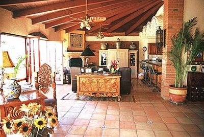Best 25 hacienda kitchen ideas on pinterest spanish for Spanish style floor tiles