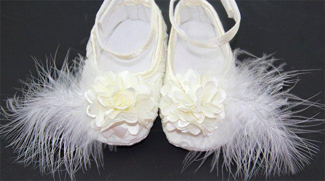 4 colori Baby scarpe ragazza avorio, avorio scarpe bambino, scarpe bambino battesimo, battesimo bambino ragazza scarpe, sposa, pronto a spedire, scarpe bambino ragazze, di IzabellaBABY su Etsy https://www.etsy.com/it/listing/198039024/4-colori-baby-scarpe-ragazza-avorio