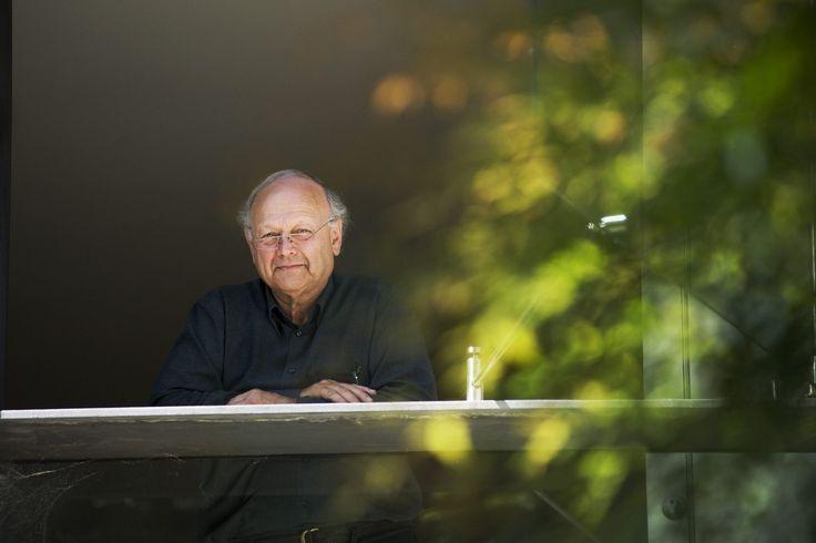 Lovely photo of Glenn Murcutt