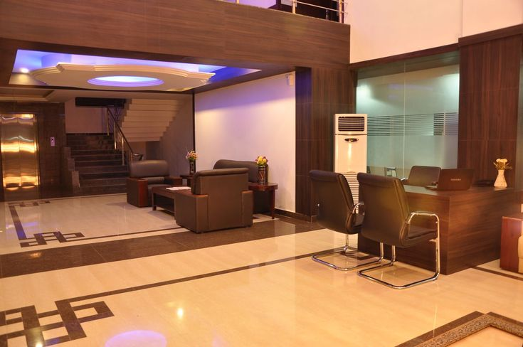 Clarks Inn hotels in Badami, Bagalkot offers attractive discounts on online hotel booking within your budget. Book online luxury star hotels in Badami Karnataka.