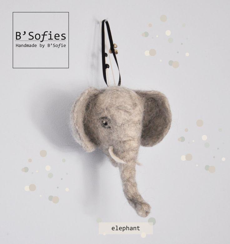 Baby olifant hoofdje, naaldvilt, faux taxidermy, in speciale papieren kado doos door BSofies op Etsy https://www.etsy.com/nl/listing/193086440/baby-olifant-hoofdje-naaldvilt-faux