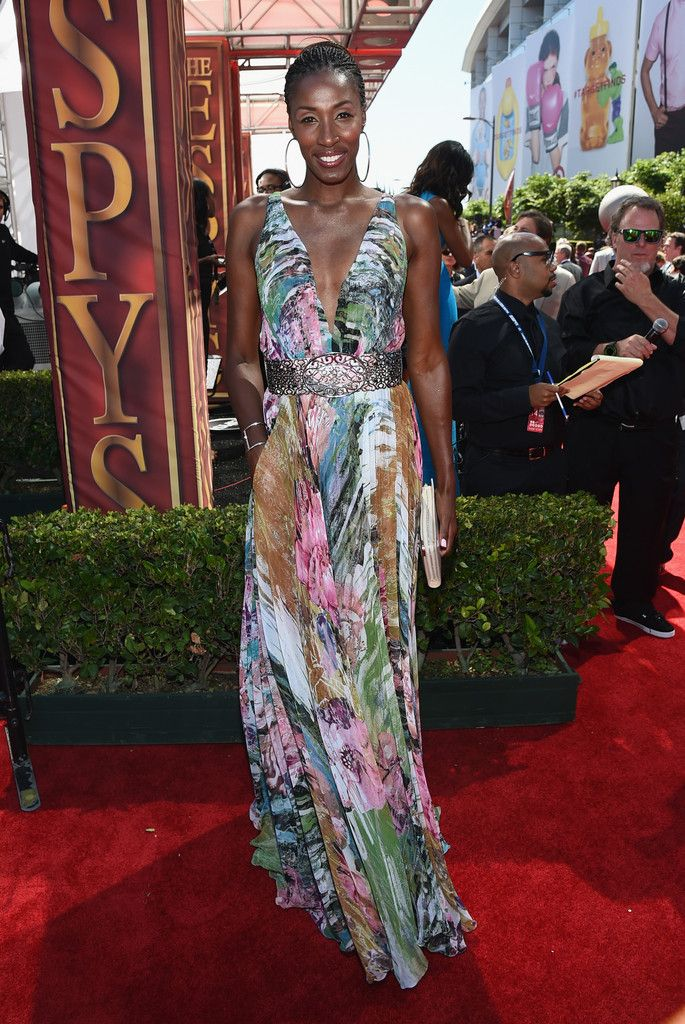 Lisa Leslie in DeanZign Couture at the 2014 ESPY Awards // formal print maxi dress // best dressed
