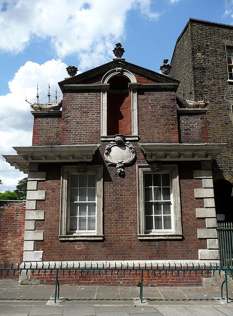 Trinity Green Almshouses, Whitechapel    East block. Dating from 1695.