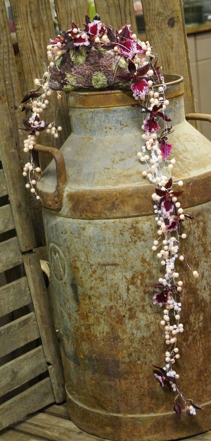 Kreativ Fryd Blomsterbinderi, Brudearrangement Holmestrand. Orkide og decopage. Perler.