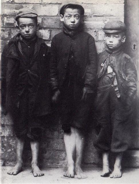 Birmingham children in need c1900.