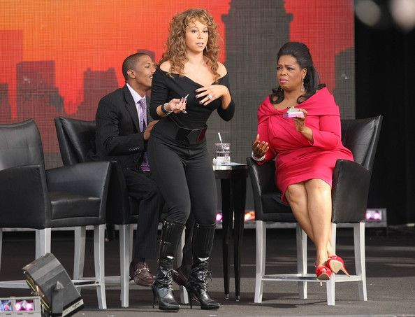 Mariah Carey Photos - Singer Mariah Carey (C), her husband, Nick Cannon (L), and TV personality Oprah Winfrey appear on The Oprah Winfrey Show: Fridays Live From New York at Rumsey Playfield on September 18, 2009 in New York City. - The Oprah Winfrey Show: Fridays Live From New York