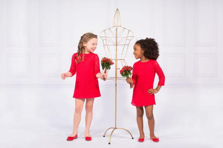 Un corte inspirado en los 70´s… Clásico y elegante; rojo.  ¡Disponible ya! Ingresa ahora al enlace en el perfil. #SoyEPK