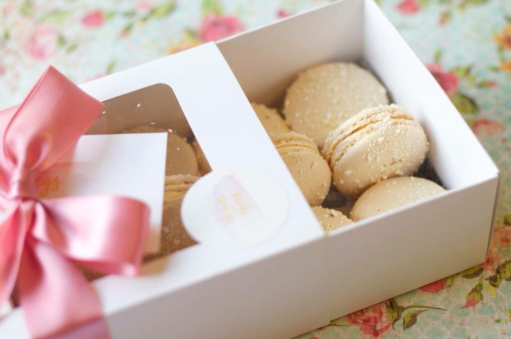 Salted buttered popcorn macarons