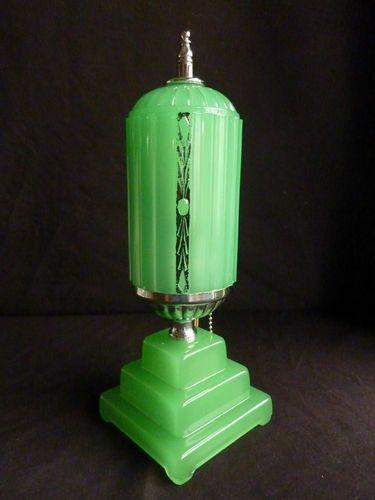 Art Deco depression glass boudoir lamp, 1920s-30s.(TAG: INTERIOR DECOR; PRACTICAL-LIGHTING; HISTORICAL-CIRCA 20TH C-ROARING 20'S ERA ART DECO; DESIGN IS NOW PUBLIC DOMAIN)