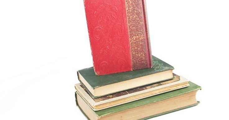 Cómo convertir un libro de tapa blanda en uno de tapa dura. Los libros de tapa blanda son menos costosos que los de tapa dura por una razón sencilla: son mucho más económicos de hacer. Mientras que el contenido del libro puede ser el mismo, los libros de tapa blanda tienden a ajarse con mayor rapidez que los de tapa dura. Prevén el daño excesivo por el uso en los libros de tapa blanda al reemplazar o ...