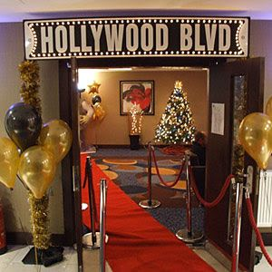 Red Carpet Hollywood A List Christmas Party 2017 Watford together with Mps024 Old Hollywood Glamour Party Oscar Party further 793346a5708aabe9e056a004afc28646 likewise E61puckre 4 together with Product detail. on oscar statues for parties