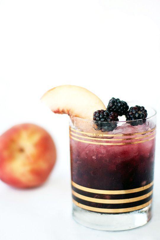Peach and Blackberry bramble cocktail recipe | Sugar & Cloth