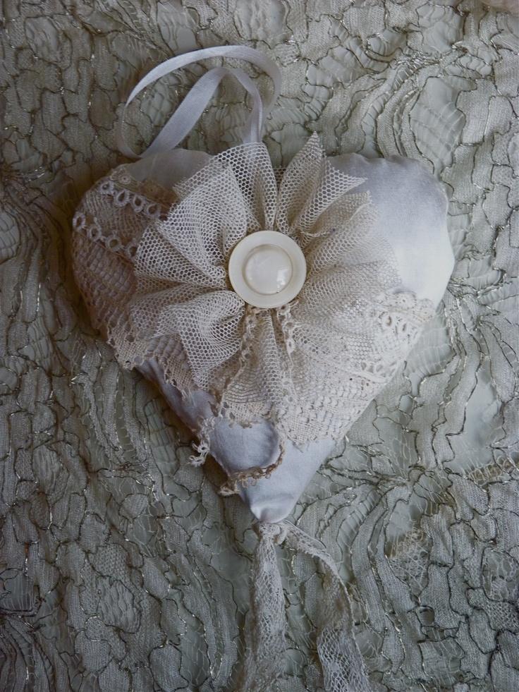 lavender heart sachet  www.emilysgarden.com