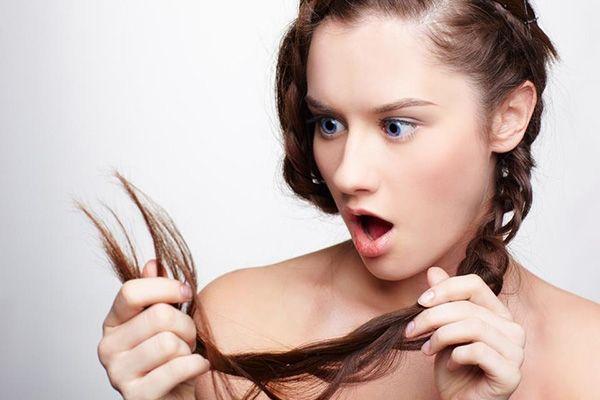 Czas powiedzieć nie dla rozdwojonych końcówek włosów. Czemu powstają? Jak z nimi walczyć? Odpowiadamy na naszym blogu. Zapraszamy!  #wlosy #hair #splitends #koncowki #hairbeauty #pielegnacjawlosow