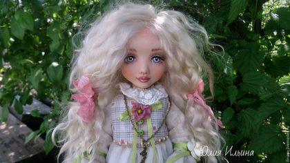 Купить или заказать София в интернет-магазине на Ярмарке Мастеров. Куколка в смешанной технике.Рост 40-41см.Одежда из хлопка,не снимается.Волосы натуральные,можно менять прическу.