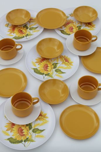Photo of Vintage melmac dinnerware set for 4 70s retro gold sunflower print dishes # & 68 best Vintage Melmac Dinnerware images on Pinterest | Retro ...