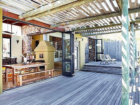 Self catering accommodation, Scarborough, Cape Town  Perfect for entertaining from the outside deck