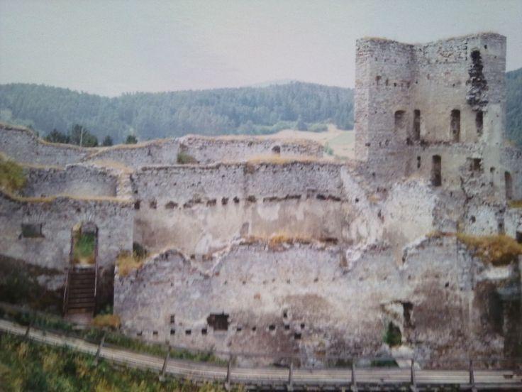 Hrad Rabí ve městě Rabí, Plzeňský (fotka je ze starého foťáku, proto má horší kvalitu)