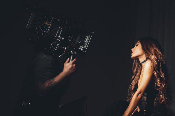 Tweets con contenido multimedia de Ariana Grande (@ArianaGrande)   Twitter