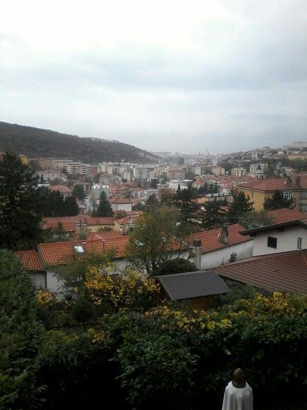 Pioggia leggera ,13 gradi Trieste
