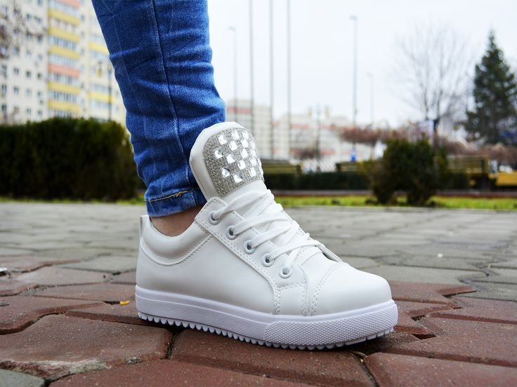 Tenisi OnFire Alb http://www.standard-shoes.ro/produse-noi.html #sneakers #sport #fashion #streetfashion #girly #girl #white #shoes