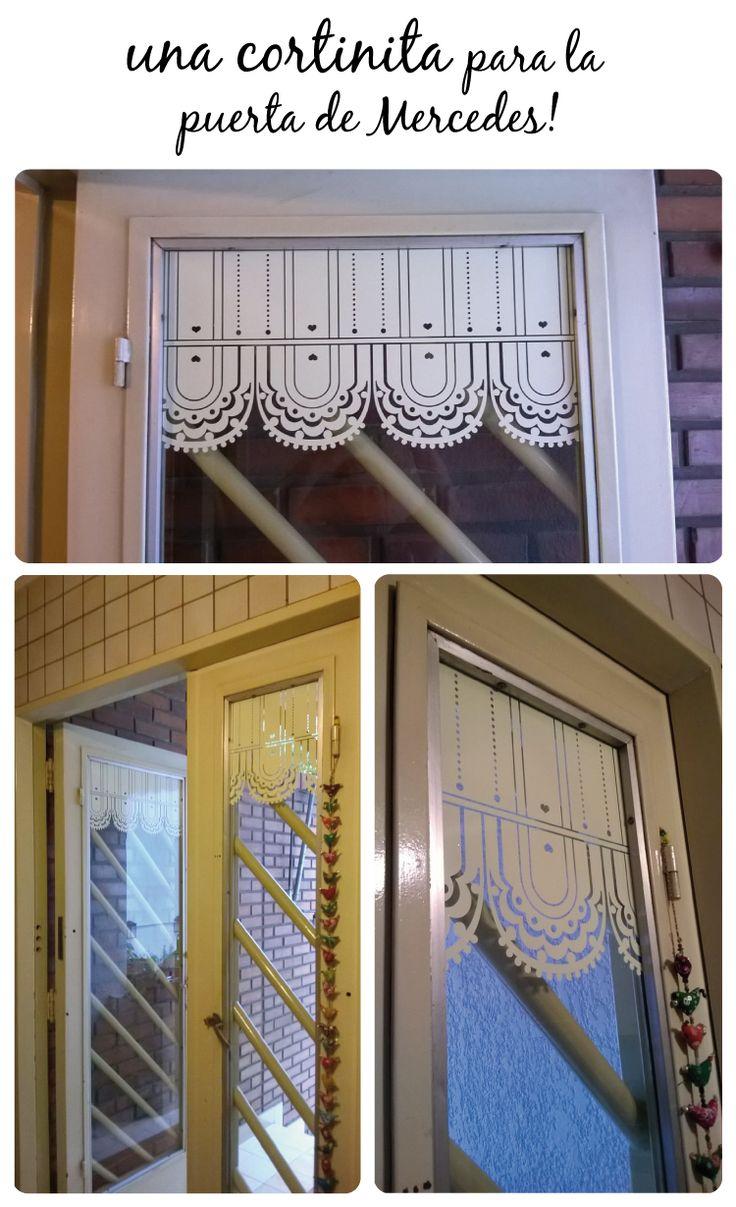 cortinitas en vinilo para decorar puertas o ventanas. www.vinilosniakate.com.ar