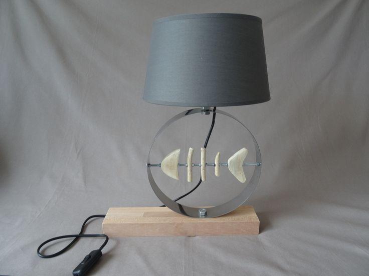 lampe d co esprit bord de mer avec poisson bois flott abat jour gris luminaires par c dri. Black Bedroom Furniture Sets. Home Design Ideas