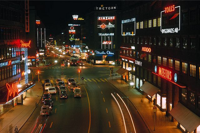 Kungsgatan in Stockholm 1964    Nattbild från Kungsgatan 1964    tag:  Utsikt från Malmskillnadsgatan    Photograph by: Trapp, Håkan    Date: 1964
