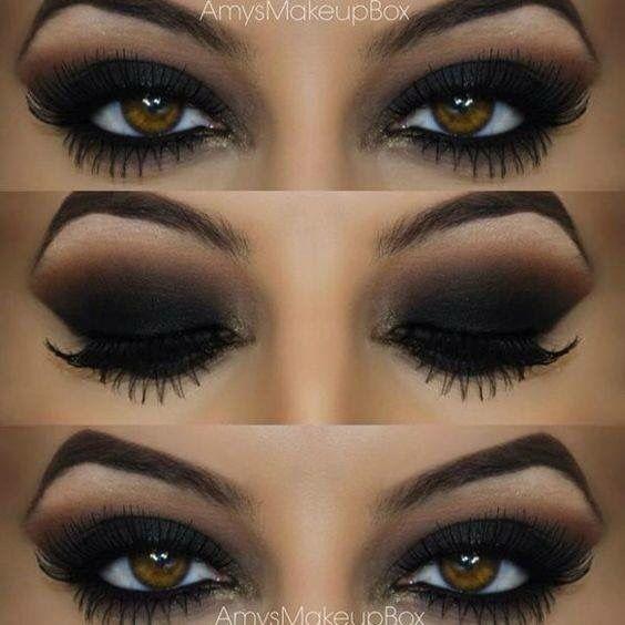 Recuerda que el smokey eye negro puede quedar sombrío para el día, así que lo mejor es que lo reserves para la noche