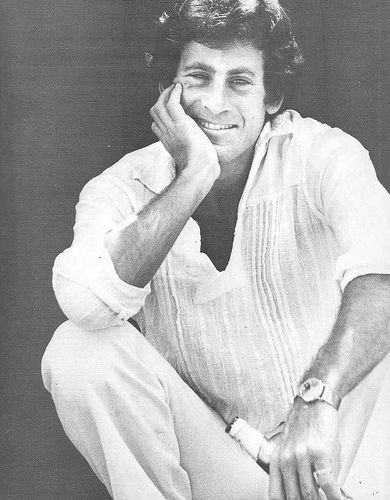 Paul Michael Glaser. This would be a totally awesome drawing project. Be still,my heart.