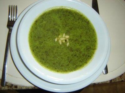 Rucolasoep is een lekker recept, heel fris, helemaal anders !!